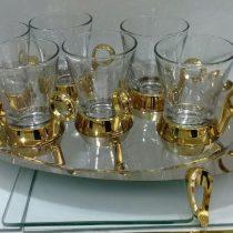 سینی فلزی با کیفیت عالی دارای پایه و دسته های طلایی